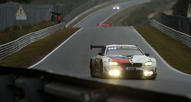 Neben den beiden ROWE Racing BMW M6 GT3 waren auch die beiden BMW Team Schnitzer Motorsport und die Total BMW M6 GT3 von BMW Walkenhorst mit den 4-fach leistungseinstellbaren KW Solid Piston Rennsportdämpfern auf der Nürburgring Nordschleife erfolgreich im Einsatz.